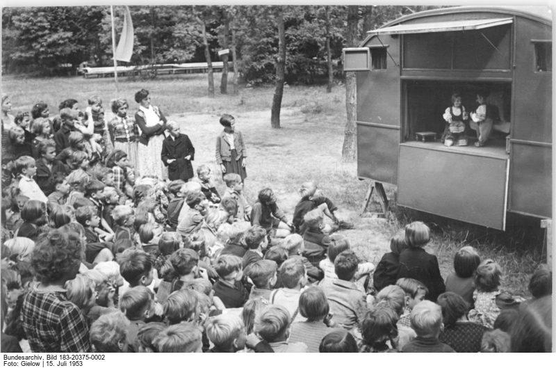 © Bundesarchiv, Bild-183-20375-0002, Zentralbild Gielow -20 375 - 15.7.1953