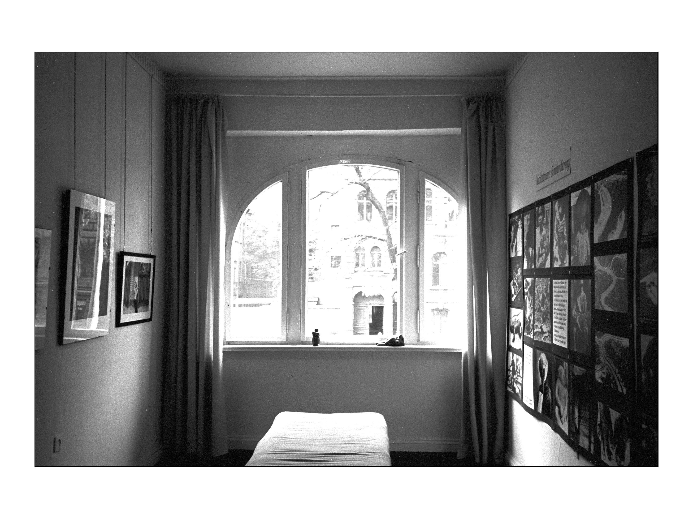 Ausstellungen Hegelstr. 33 in der Galerie Bahß - Magdeburg 1981-83 (c) Dietrich Bahß