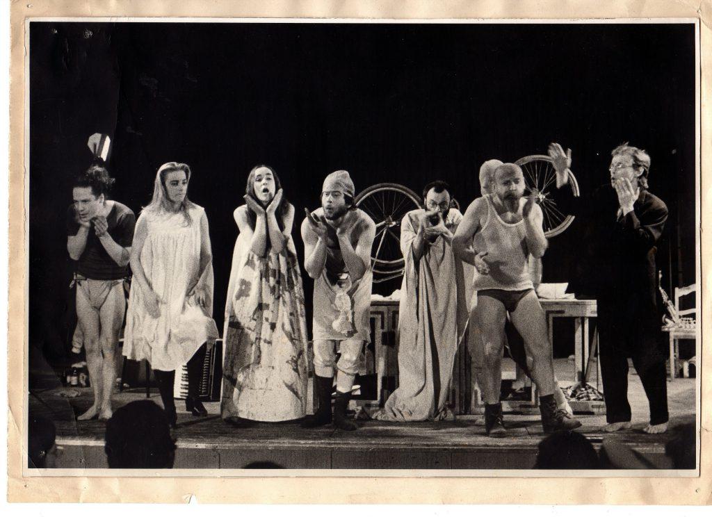 Das Theaterensemble Zinnober 1985 mit der Aufführung Traumhaft. © Theater o.N.