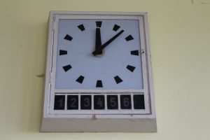 Die Uhren im Funkhaus in der Nalepastrasse (c) Dirk Engelhardt